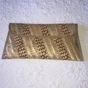 Bahamian handcrafted clutch